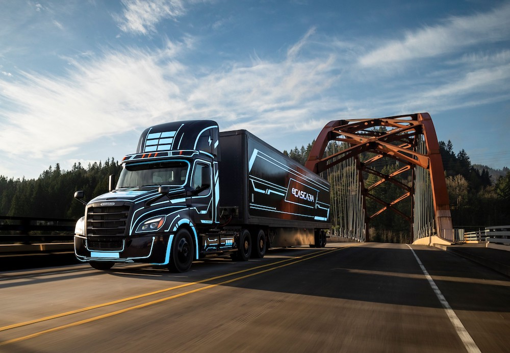 Daimler Trucks North America is signing up buyers for its eCascadia battery-powered semi truck
