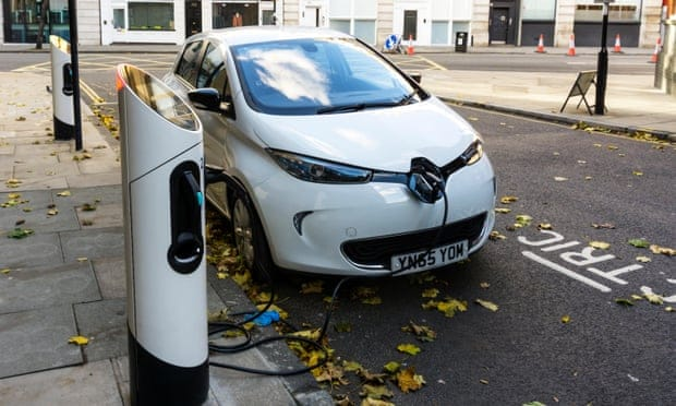 The UK will need as many as 1.7m on-street car charging points by the end of the decade, according to analysis by the SMMT and Frost and Sullivan